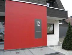 Briefkasten mit Hausnummer